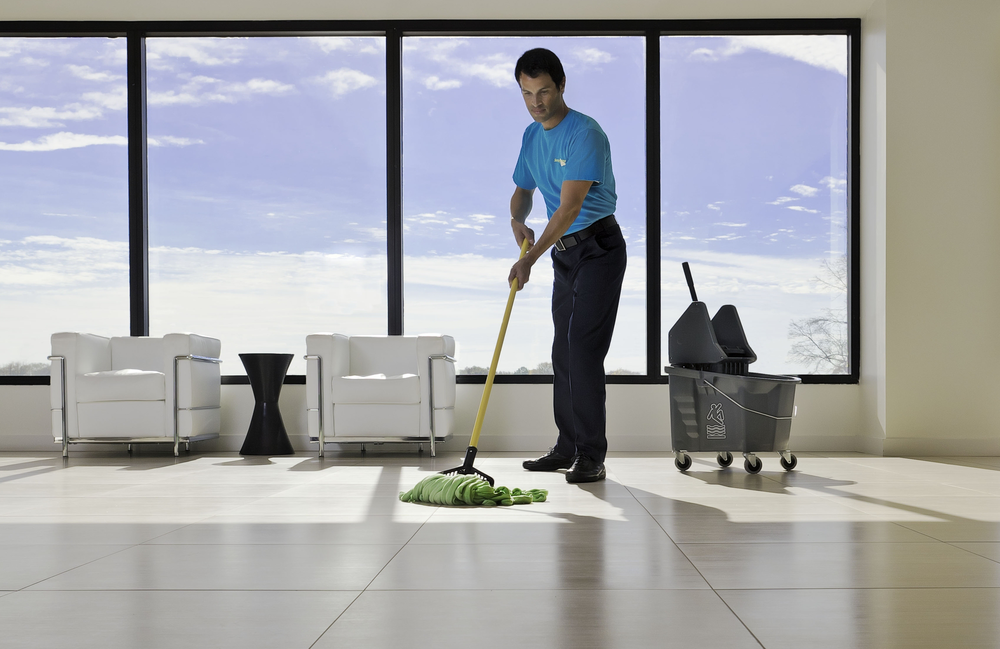 Commercial cleaning equipments
